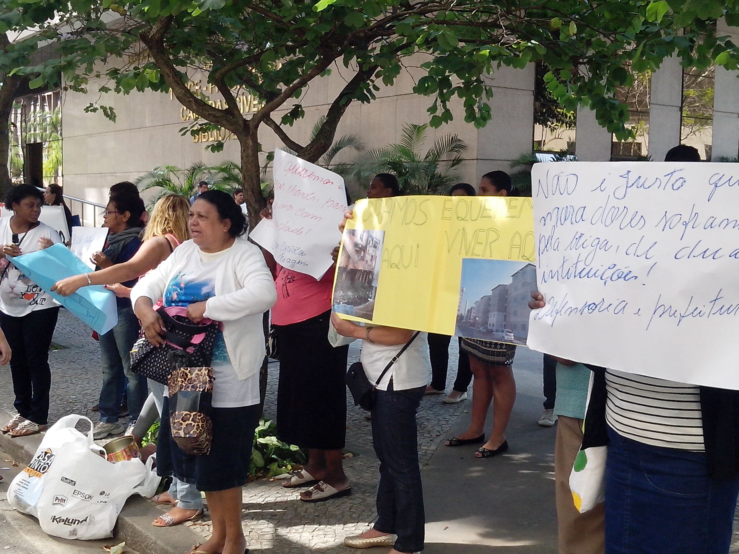 Manifestação por moradia digna